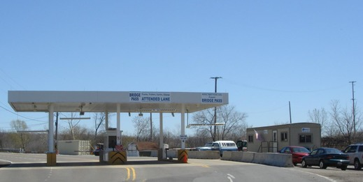 Toll_booth_and_trailer_3